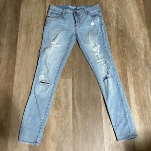 Light wash Mossimo skinny ripped jeans